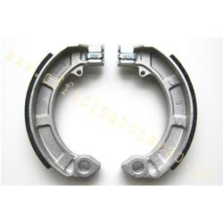 Front or rear brake shoes with lining for Vespa PX - PK (excluding PK S 225120161st series without arrows). For GT / GTR rear only