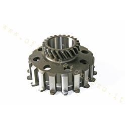 70622 - Pinion Z 22 meshes on primary Z67 - Z68 for clutch 8 Vespa springs