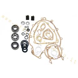 Engine overhaul kit for Vespa ET3 with pinasco main bearings