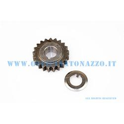 Pinion DRT Z 21 meshes on primary Z 72 (Ratio 3,43) straight teeth for Vespa 50 - Primavera - ET3
