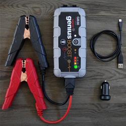 C10003000 - Démarreur de batterie de secours portable mod. Noco Genius Boost GB30 pour Vespa, voiture, moto: 12V - 400A (avec lumières LED et USB / micro USB)
